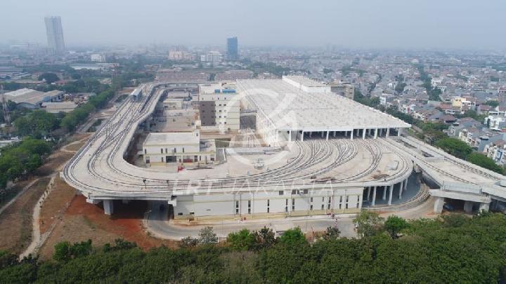 LRT Jakarta Rayakan Setahun Beroperasi Komersil, Beragam Promo dan Merchandise