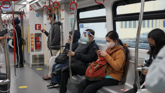 Survei BPTJ: Penumpang Angkutan Umum Sudah Patuh Protokol Kesehatan